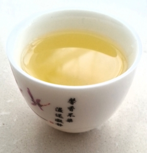 green tea health dangers image